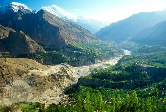 hunza-valley-at-karimaba.jpg