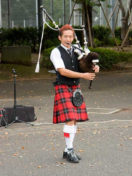 musical-performer-in-scottish-kilt.jpg